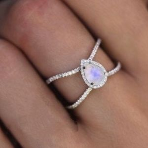 LAST! NWT Silver Moonstone style iridescent rings